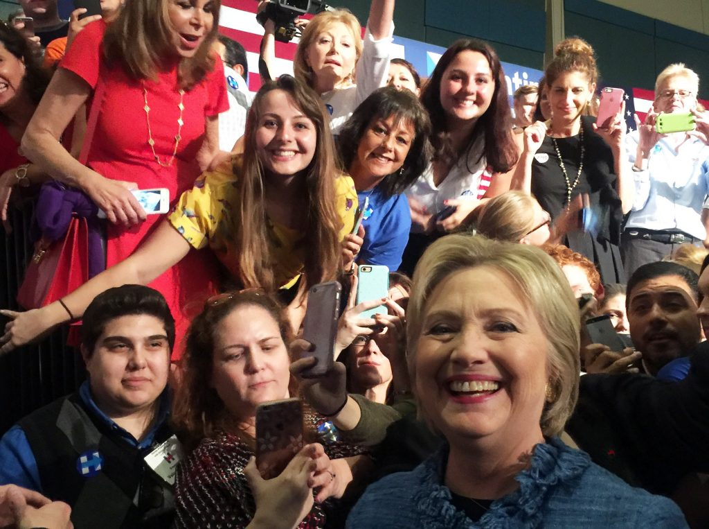 hillary-clinton-rally-selfie