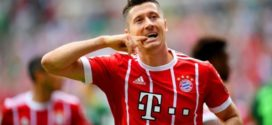 Ronaldo នៅបន្តឈរលើ Messi ក្នុងនាមកីឡាករស្ថិតក្នុងកម្រិត TOP 10 RATING ក្នុង FIFA 2018