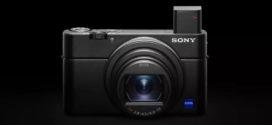 ទីបំផុតកាមេរ៉ា RX100 ចុងក្រោយរបស់ Sony មានរន្ធ microphone