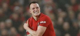ខ្សែការពារ Phil Jones របស់ Man United បានត្រឡប់មកវិញបន្ទាប់ពីអវត្តមានរយៈពេល២០ខែ